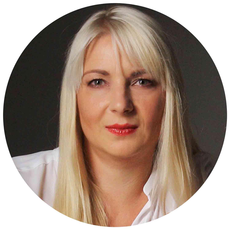 Svetlana Riedl Produktmanagerin Tau-Office UNA